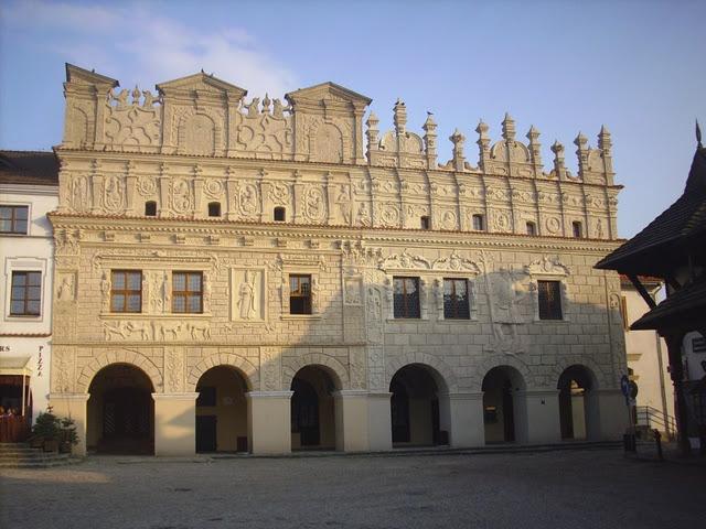 Przybyłów tenements on the market square in Kazimierz Dolny