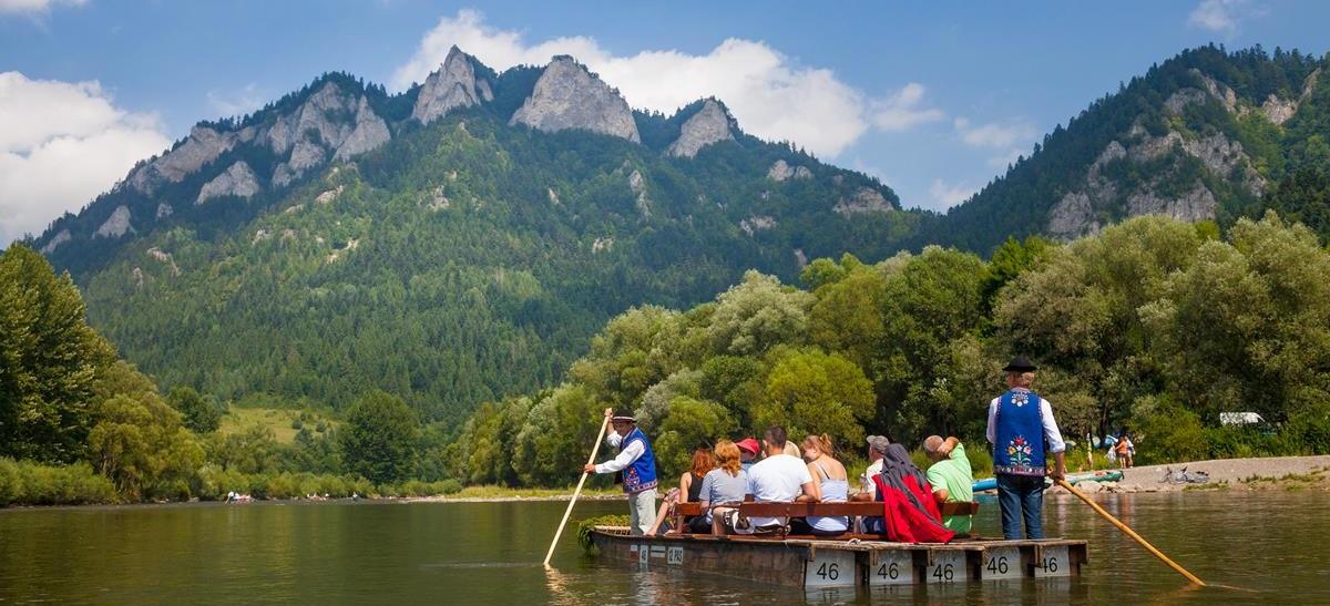 Rafting down the Dunajec